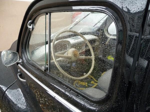 Renault 4CV Cremeschnittchen innen