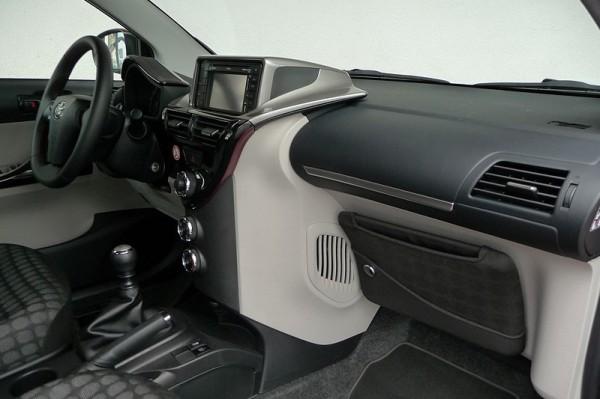 Toyota IQ 1.33 Armaturenbrett