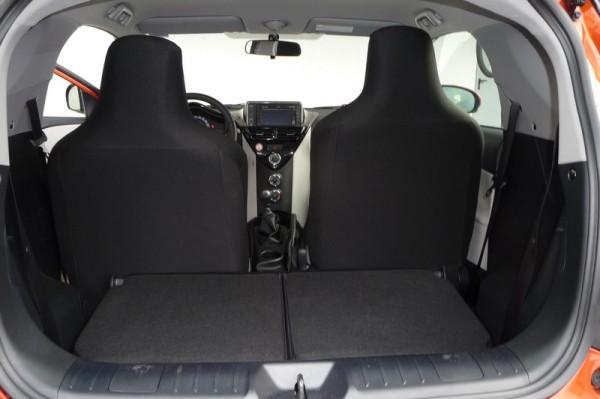 Toyota IQ 1.33 Rücksitzbank