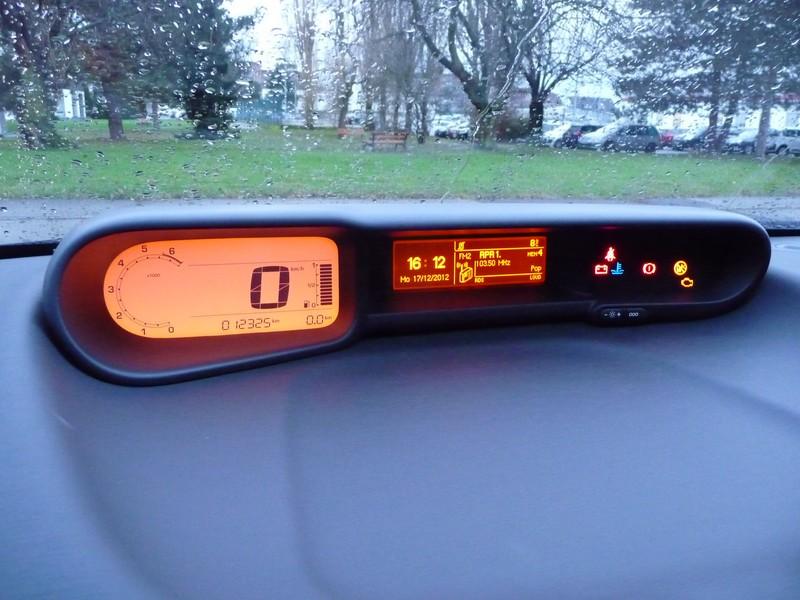 citroen-c3-picasso-lpg-display-cockpit.j