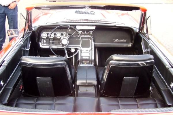 1966 Ford Thunderbird Convertible Innenraum