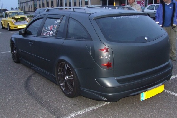 Renault Laguna Grandtour Tuning hinten links