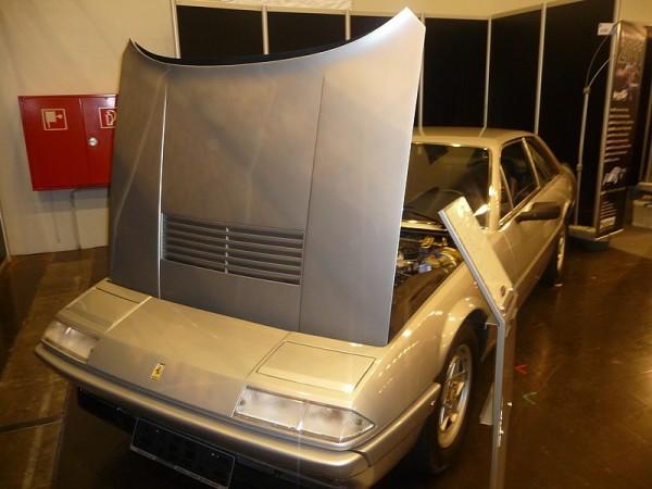 1986 Ferrari 412i Front Motorhaube auf