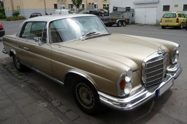 Mercedes-Benz SE Coupé W 111 vorne rechts