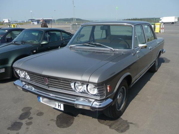 Fiat 130 Limousine 3200 Front