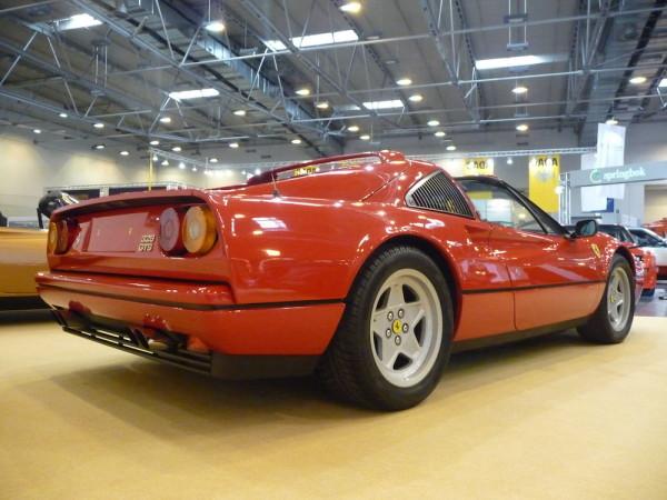 Ferrari 328 GTS hinten rechts