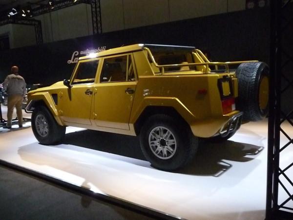Lamborghini LM002 hinten rechts