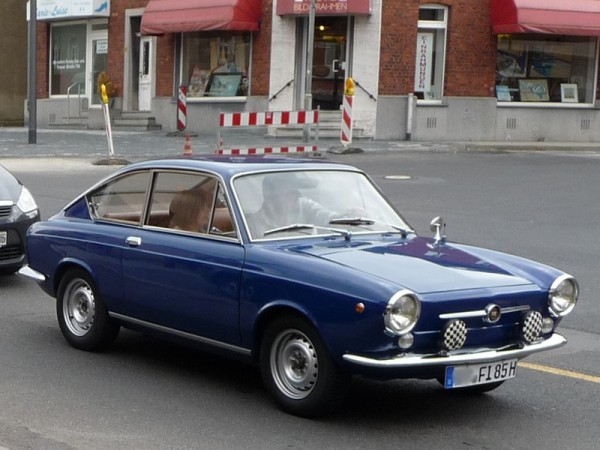 fiat-850-coupe-front
