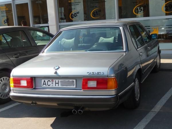 BMW 7er E23 Heck 735i